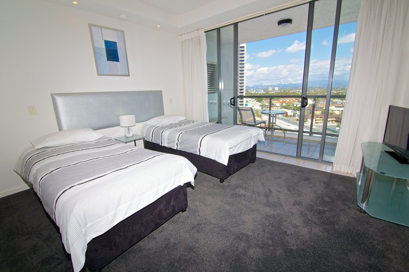 Book a 2 night stay at our 2 bedroom apartment ipanema holiday resort blog for Cheap 2 bedroom apartments gold coast